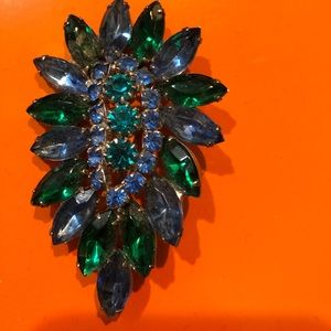 Jewelry - Fancy Crystal rhinestone vintage colorful Pin